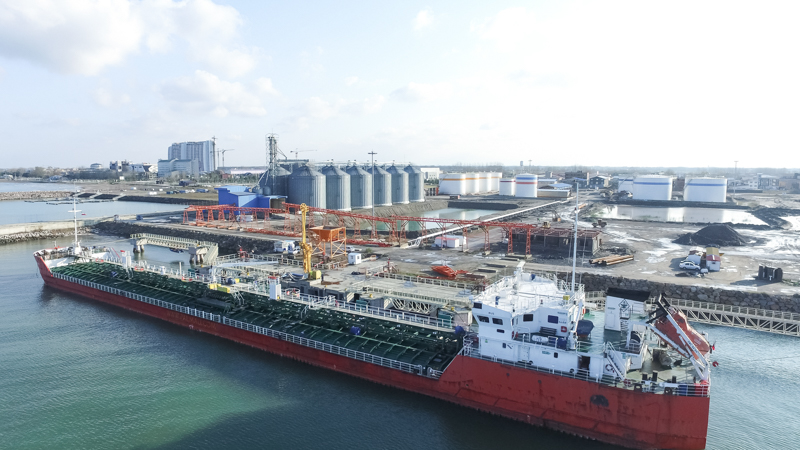 Record-breaking of Caspian port complex in one day